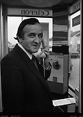 1981 - Minister Demonstrates New Payphone.   (N64).