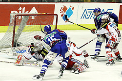 "15.03.2012, Dom Sportova, Zagreb, CRO, EBEL, KHL Medvescak Zagreb vs EC KAC, Playoff, Halbfinale, 5. Spiel, im Bild Bildmitte unglaubliche Saves von Andy Chiodo, (EC KAC, #31) gegen Andy Sertich, (KHL Medvescak Zagreb, #15) // during the semifinal Match of ""Erste Bank Icehockey League"", fith encounter between KHL Medvescak Zagreb and EC KAC at Dom Sportova, Zagreb, Croatia on 2012/03/15. EXPA Pictures © 2012, PhotoCredit: EXPA/ Pixsell/ Goran Stanzl ATTENTION - OUT OF CRO, SRB, MAZ, BIH and POL *****"