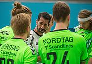 HÅNDBOLD: Cheftræner Ian Marko Fog (Nordsjælland) under timeout i træningskampen mellem Nordsjælland Håndbold og TMS Ringsted den 5. august 2017 i Frederiksborg Centret. Foto: Claus Birch