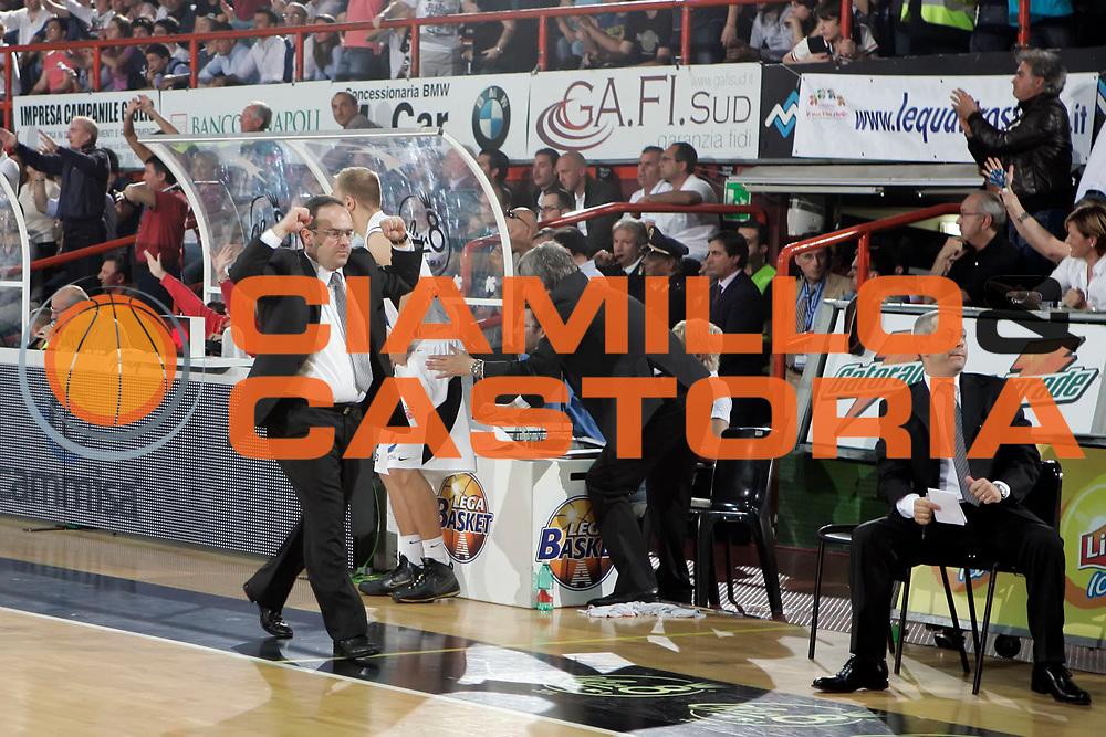 DESCRIZIONE : Caserta Lega A 2009-10 Playoff Semifinale Gara 2 Pepsi Caserta Armani Jeans Milano<br /> GIOCATORE : Stefano Sacripanti<br /> SQUADRA : Pepsi Caserta<br /> EVENTO : Campionato Lega A 2009-2010 <br /> GARA : Pepsi Caserta Armani Jeans Milano<br /> DATA : 04/06/2010<br /> CATEGORIA : esultanza<br /> SPORT : Pallacanestro <br /> AUTORE : Agenzia Ciamillo-Castoria/A.De Lise<br /> Galleria : Lega Basket A 2009-2010 <br /> Fotonotizia : Caserta Lega A 2009-10 Playoff Semifinale Gara 2 Pepsi Caserta Armani Jeans Milano<br /> Predefinita :