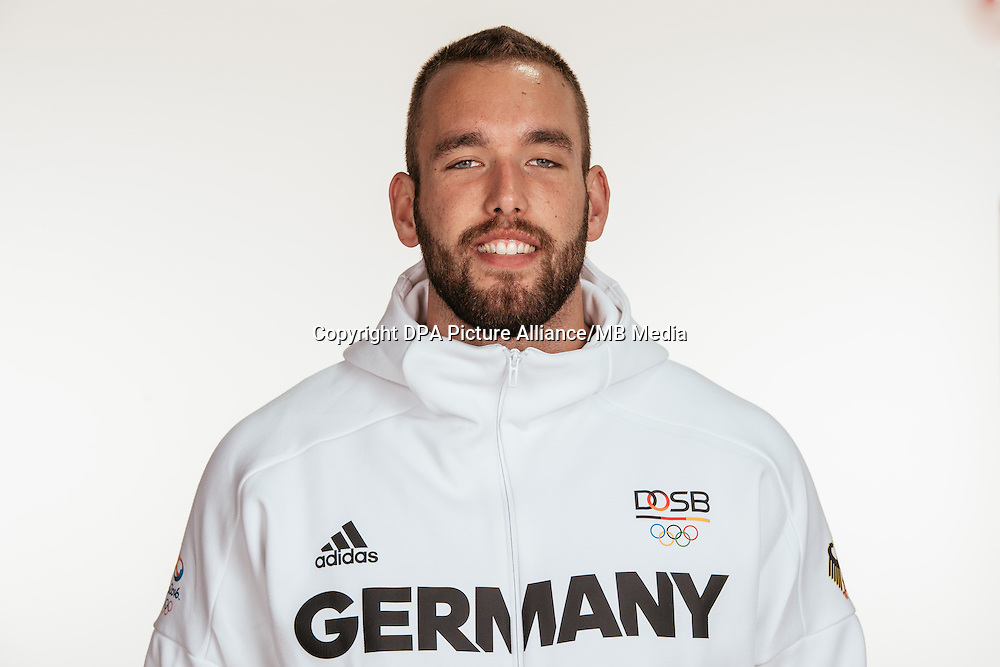 Daniel Jasinski poses at a photocall during the preparations for the Olympic Games in Rio at the Emmich Cambrai Barracks in Hanover, Germany, taken on 12/07/16 | usage worldwide