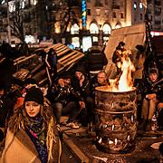 le mardi 3 décembre 2013, les manifestants pro Europe ont érigé des barricades sur la place de l'indépendance à Kiev, Ukraine afin de ne pas être délogés par les forces de l'ordre.