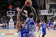 DESCRIZIONE : Campionato 2014/15 Serie A Beko Dinamo Banco di Sardegna Sassari - Acqua Vitasnella Cantu'<br /> GIOCATORE : Rakim Sanders<br /> CATEGORIA : Tiro Penetrazione<br /> SQUADRA : Dinamo Banco di Sardegna Sassari<br /> EVENTO : LegaBasket Serie A Beko 2014/2015<br /> GARA : Dinamo Banco di Sardegna Sassari - Acqua Vitasnella Cantu'<br /> DATA : 28/02/2015<br /> SPORT : Pallacanestro <br /> AUTORE : Agenzia Ciamillo-Castoria/L.Canu<br /> Galleria : LegaBasket Serie A Beko 2014/2015