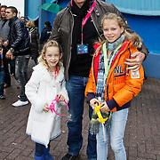 NLD/Harderwijk/20100320 - Opening nieuwe Dolfinarium seizoen met nieuwe show, Wino Omzigt met dochter Romy en ..