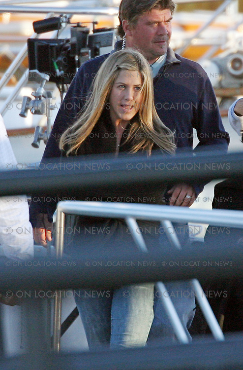 SAN PEDRO, CALIFORNIA - Thursday 20th September 2007. NON EXCLUSIVE: Jennifer Anniston and Ben Affleck shooting scenes from their new movie' He's just not that into you'. Photograph:David Buchan/Eric Ford/ On location News. Sales: Eric Ford 1/818-613-3955 info@OnLocationNews.com