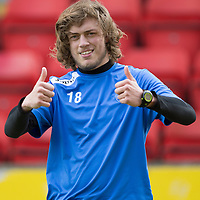 Thumbs up from St Johnstone's Murray Davidson pictured running as part of his rehab from the bad knee injury that he suffered in a game against Hearts...09.05.14<br /> Picture by Graeme Hart.<br /> Copyright Perthshire Picture Agency<br /> Tel: 01738 623350  Mobile: 07990 594431
