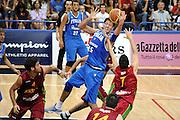 DESCRIZIONE : Trento Torneo Internazionale Maschile Trentino Cup Italia Portogallo Italy Portugal<br /> GIOCATORE : Angelo Gigli<br /> SQUADRA : Italia Italy<br /> EVENTO : Raduno Collegiale Nazionale Maschile GARA : Italia Portogallo Italy Portugal<br /> DATA : 27/07/2009 <br /> CATEGORIA : rimbalzo<br /> SPORT : Pallacanestro <br /> AUTORE : Agenzia Ciamillo-Castoria/G.Ciamillo<br /> Galleria : Fip Nazionali 2009 <br /> Fotonotizia : Trento Torneo Internazionale Maschile Trentino Cup Italia Portogallo Italy Portuga<br /> lPredefinita :