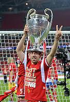 FUSSBALL  CHAMPIONS LEAGUE  SAISON 2012/2013  FINALE  Borussia Dortmund - FC Bayern Muenchen         25.05.2013 Champions League Sieger 2013 FC Bayern Muenchen: Franck Ribery (FC Bayern Muenchen) jubelt mit den Pokal
