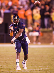 Virginia quarterback Jameel Sewell (10)..The Virginia Cavaliers faced the Pittsburgh Panthers at Scott Stadium in Charlottesville, VA on September 29, 2007.
