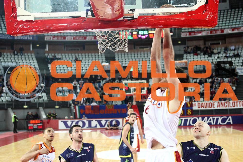 DESCRIZIONE : Roma Lega A 2009-10 Lottomatica Virtus Roma Sigma Coatings Montegranaro <br /> GIOCATORE : Angelo Gigli<br /> SQUADRA : Lottomatica Virtus Roma <br /> EVENTO : Campionato Lega A 2009-2010<br /> GARA : Lottomatica Virtus Roma Sigma Coatings Montegranaro <br /> DATA : 03/04/2010<br /> CATEGORIA : tiro<br /> SPORT : Pallacanestro<br /> AUTORE : Agenzia Ciamillo-Castoria/GiulioCiamillo<br /> Galleria : Lega Basket A 2009-2010 <br /> Fotonotizia : Roma Campionato Italiano Lega A 2009-2010 Lottomatica Virtus Roma Sigma Coatings Montegranaro <br /> Predefinita :
