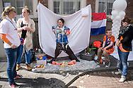 Nederland, Den Bosch, 20130430..Koninginnedag in Den Bosch..Rommelmarkt, vrijmarkt in de binnenstad.