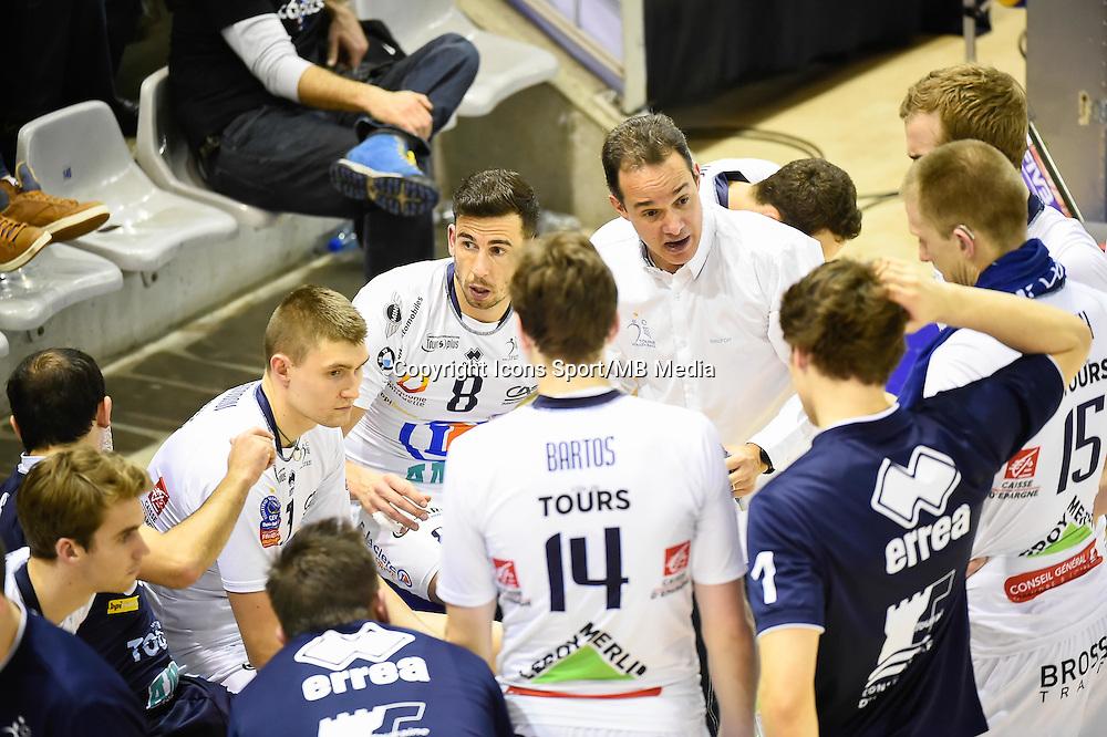 Oleg ANTONOV / Nuno PINHEIRO / Mauricio PAES - 03.01.2014 - Paris / Tours - 14eme journee de Ligue A<br />Photo : Fred Porcu / Icon Sport