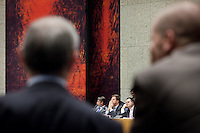 Nederland. Den Haag, 26 oktober 2010.<br /> De Tweede Kamer debatteert over de regeringsverklaring van het kabinet Rutte.<br /> Verhagen , Rutte en de Jager, Cohen pvdA op de voorgrond, oppositie, coalitie<br /> Kabinet Rutte, regeringsverklaring, tweede kamer, politiek, democratie. regeerakkoord, gedoogsteun, minderheidskabinet, eerste kabinet Rutte, Rutte1, Rutte I, debat, parlement<br /> Foto Martijn Beekman