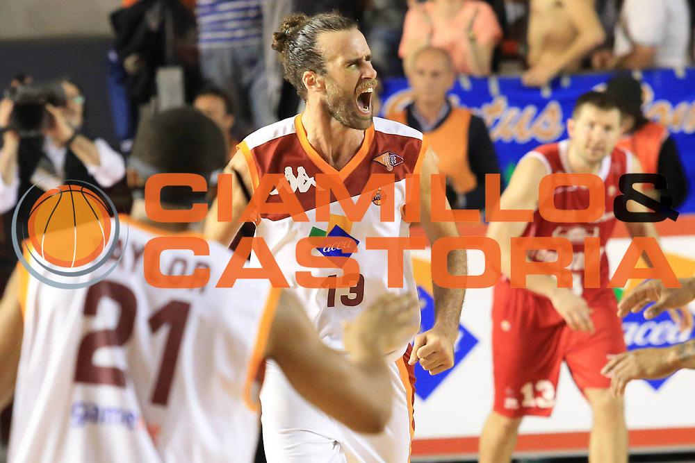 DESCRIZIONE : Roma Lega A 2012-2013 Acea Roma Trenkwalder Reggio Emilia playoff quarti di finale gara 5<br /> GIOCATORE : Luigi Datome<br /> CATEGORIA : esultanza sequenza<br /> SQUADRA : Acea Roma<br /> EVENTO : Campionato Lega A 2012-2013 playoff quarti di finale gara 5<br /> GARA : Acea Roma Trenkwalder Reggio Emilia<br /> DATA : 17/05/2013<br /> SPORT : Pallacanestro <br /> AUTORE : Agenzia Ciamillo-Castoria/M.Simoni<br /> Galleria : Lega Basket A 2012-2013  <br /> Fotonotizia : Roma Lega A 2012-2013 Acea Roma Trenkwalder Reggio Emilia playoff quarti di finale gara 5<br /> Predefinita :