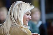Prinses M&aacute;xima bezoekt jubilerende jongerenzender FunX in de Heineken Music Hall.<br /> <br /> Hare Koninklijke Hoogheid Prinses M&aacute;xima der Nederlanden is donderdag 11 oktober aanwezig bij een jongerendebat in de Heineken Music Hall ter gelegenheid van de 5e verjaardag van jongerenzender FunX. In het debat discussi&euml;ren middelbare scholieren over het thema &ldquo;Jouw Democratie is de Mijne Niet!&rdquo;<br /> <br /> Tijdens het debat krreg de prinses te horen dat er op de Amsterdamse ROC een jongen is neergestoken, ze nam daarvoor 1 minuut stilte