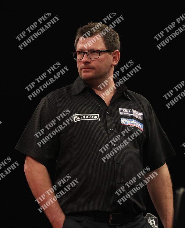 PDC WORLD GRAND PRIX 2014,<br /> 1ST ROUND,JAMES WADE V ANDY SMITH, PIC:CHRIS SARGEANT, TIPTOPPICS LTD, DARTS, PDC