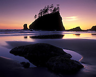 2nd beach at La Push is one of the most popular beaches on the coast. Trails to Second beach start at the Quileute Indian Reservation, and span a mile before you reach the coast. Second Beach is the longest and flattest of the three beaches and is the most populated.