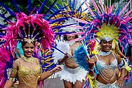 ROTTERDAM - Deelnemers tijdens de Zomercarnaval Straatparade, die door de straten van het Rotterdamse centrum trekt. Aan de parade doen 22 groepen mee met praalwagens, dansacts en veel muziek. copyright robin utrecht