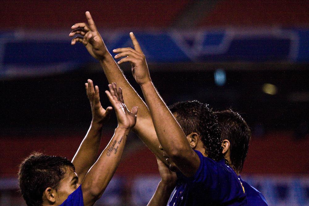 Belo Horizonte_MG, Brasil.<br /> <br /> Jogadores de futebol do Cruzeiro comemorando no Mineirao.<br /> <br /> Cruzeiro soccer players celebrating in Mineirao.<br /> <br /> Foto: JOAO MARCOS ROSA / NITRO