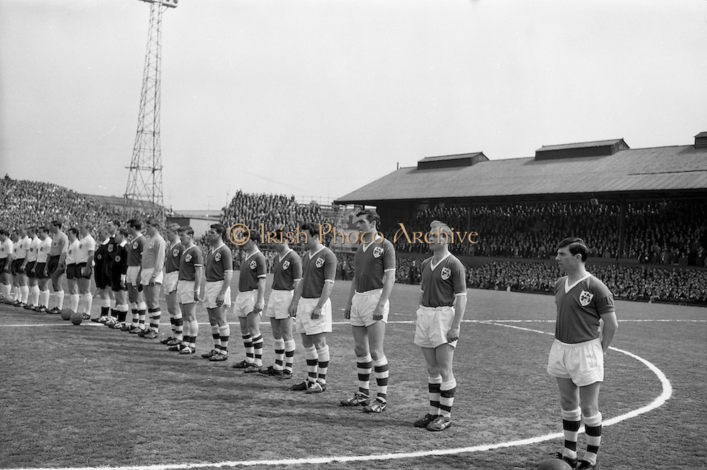24/05/1964<br /> 05/24/1964<br /> 24 May 1964<br /> Soccer International: Ireland v England at Dalymount Park, Dublin. England won the game 3-1.  The teams line out for the anthems before the match.