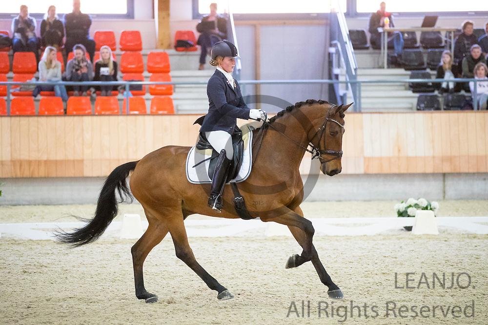 Joyce Vegter - Figo<br /> KNHS Indoorkampioenschappen 2017<br /> © DigiShots