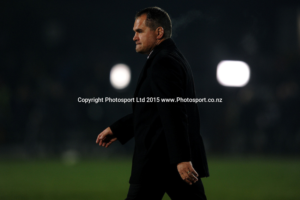 Dave Rennie Coach of the Chiefs looks on, prior to the Super Rugby Match between the Highlanders and the Chiefs, held at Rugby Park, Invercargill, New Zealand, 30th May 2015. Credit: Joe Allison / www.Photosport.co.nz