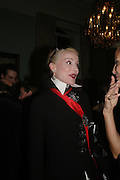 Daphne Guinness. andrew Roberts and Leonie Frieda celebrate the publication of Andrew's 'Waterloo: Napoleon's Last Gamble' and the paperback of Leonie's 'Catherine de Medic'i. English-Speaking Union, Dartmouth House. London. 8 February 2005. ONE TIME USE ONLY - DO NOT ARCHIVE  © Copyright Photograph by Dafydd Jones 66 Stockwell Park Rd. London SW9 0DA Tel 020 7733 0108 www.dafjones.com