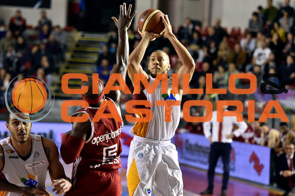 DESCRIZIONE : Roma Lega A 2014-2015 Acea Roma Openjob Metis Varese<br /> GIOCATORE : Brandon Triche<br /> CATEGORIA : tiro three points<br /> SQUADRA : Acea Roma<br /> EVENTO : Campionato Lega A 2014-2015<br /> GARA : Acea Roma Openjob Metis Varese<br /> DATA : 16/11/2014<br /> SPORT : Pallacanestro<br /> AUTORE : Agenzia Ciamillo-Castoria/GiulioCiamillo<br /> GALLERIA : Lega Basket A 2014-2015<br /> FOTONOTIZIA : Roma Lega A 2014-2015 Acea Roma Openjob Metis Varese<br /> PREDEFINITA :