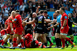 Nic White of Exeter Chiefs scores his sides first try of the game - Mandatory by-line: Ryan Hiscott/JMP - 01/06/2019 - RUGBY - Twickenham Stadium - London, England - Exeter Chiefs v Saracens - Gallagher Premiership Rugby Final