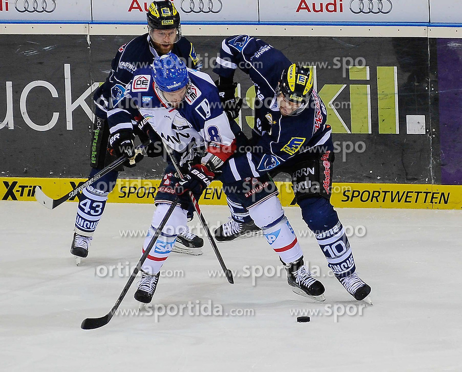 12.04.2015, Saturn Arena, Ingolstadt, GER, DEL, ERC Ingolstadt vs Adler Mannheim, Playoff, Finale, 2. Spiel, im Bild Kai Hospelt (Adler Mannheim) 18 gegen Derek Hahn (ERC Ingolstadt) 43 links und Jeffrey Szwez (ERC Ingolstadt) 10 // during Germans DEL Icehockey League 2nd final match between ERC Ingolstadt and Adler Mannheim at the Saturn Arena in Ingolstadt, Germany on 2015/04/12. EXPA Pictures &copy; 2015, PhotoCredit: EXPA/ Eibner-Pressefoto/ Schreyer<br /> <br /> *****ATTENTION - OUT of GER*****