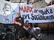 Marx är tillbka, Leve socialismen