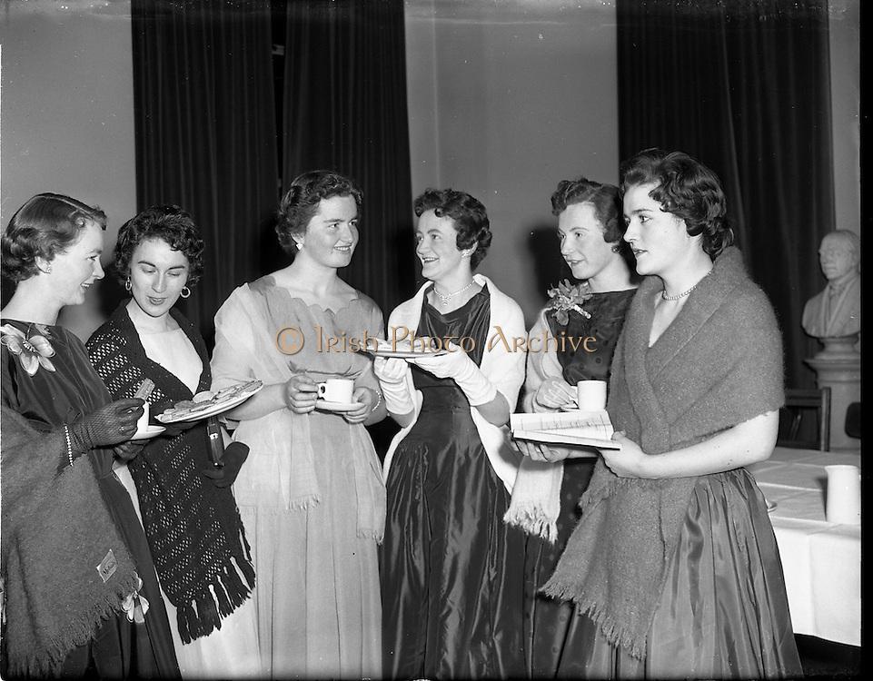 27/02/1958<br /> 02/27/1958<br /> 27 February 1958<br /> An Cumann na Gaelach Inaugural at University College Dublin,  Dublin. Ladies having tea.