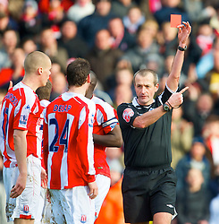STOKE-ON-TRENT, ENGLAND - Saturday, January 31, 2009: Stoke City's Rory Delap is shown the red card and sent off by refere Martin Atkinson during the Premiership match against Manchester City at the Britannia Stadium. (Mandatory credit: David Rawcliffe/Propaganda)