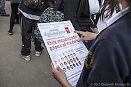 Concentración de estudiantes secundarios previo a una marcha en el parque Balmaceda, Santiago de Chile. Octubre 2012.