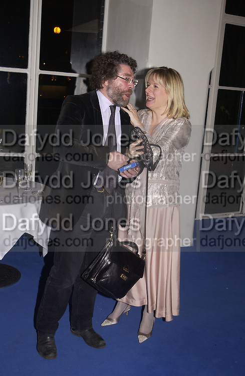 Craig Raine and Allison Pearson. party for Anthony Lane's book hosted  given by David Remnick, editor of the New Yorker. River Cafe. 12 November 2002.  © Copyright Photograph by Dafydd Jones 66 Stockwell Park Rd. London SW9 0DA Tel 020 7733 0108 www.dafjones.com