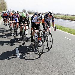 16-04-2016: Wielrennen: IJsseldelta Topcompetitie vrouwen: Zwolle<br />ZWOLLE (NED) wielrennen <br />Wind was in deze editie de grootste tegenstanders van de vrouwen. De kopgroep in volle vaart