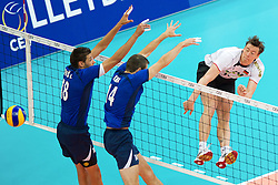 11.09.2011, O2 Arena, Prag, CZE, Europameisterschaft Volleyball Maenner, Vorrunde D, Deutschland (GER) vs Slowakei (SVK), im Bild Lukas Divis (#18 SVK), Tomas Kmet (#14 SVK) - Jochen Schöps/Schoeps (#10 GER / Odintsovo RUS) // during the 2011 CEV European Championship, Germany vs Slovakia at O2 Arena, Prague, 2011-09-11. EXPA Pictures © 2011, PhotoCredit: EXPA/ nph/  Kurth       ****** out of GER / CRO  / BEL ******