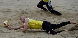 16-08-2014 NED: NK Beachvolleybal 2014, Scheveningen<br /> Marco Daalmeijer (2)