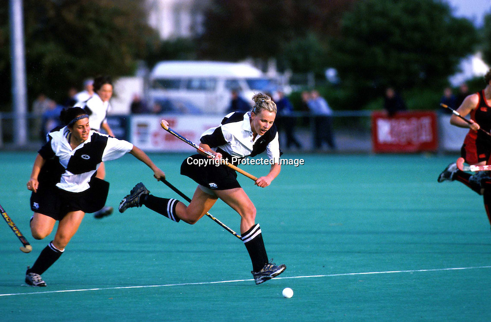 Mandy Smith in action during the Auckland v Canterbury Hockey match in the Challenge Shield Final, 2000. Photo: PHOTOSPORT