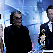 MON/Monte Carlo/20100512 - World Music Awards 2010, Asia Argento en Roberto Cavalli reiken de Italy Award uit aan Tiziano Ferro