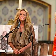 NLD/Amsterdam//20140327 - Presentatie deelnemers Op Zoek naar God 2014, Inge de Bruin