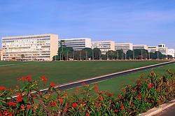 Brasilia; DF; Brasil; Esplanada dos Ministerios. / Ministry Buildings.Agosto/2004.Foto de Mascos Issa/Argosfoto