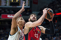 Real Madrid Walter Tavares and Baskonia Vitoria Tornike Shengelia during Turkish Airlines Euroleague match between Real Madrid and Baskonia Vitoria at Wizink Center in Madrid, Spain. January 17, 2018. (ALTERPHOTOS/Borja B.Hojas)