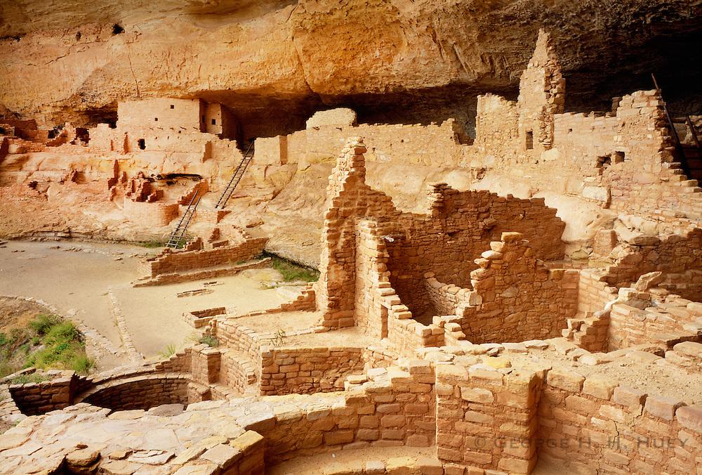 0405-1137 ~ Copyright: george H.H. Huey ~ Long House, Wetherill Mesa.  Mesa Verde National Park, Colorado
