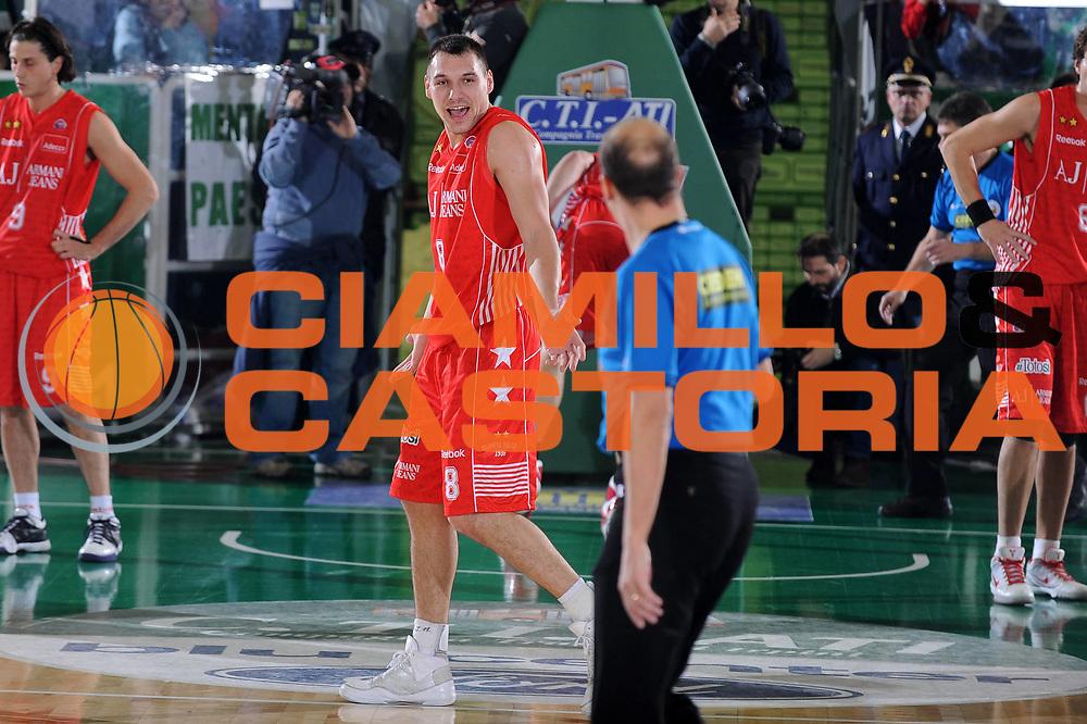 DESCRIZIONE : Avellino Lega A 2009-10 Air Avellino Armani Jeans Milano<br /> GIOCATORE : Jonas Maciulis<br /> SQUADRA : Armani Jeans Milano<br /> EVENTO : Campionato Lega A 2009-2010<br /> GARA : Air Avellino Armani Jeans Milano<br /> DATA : 13/12/2009<br /> CATEGORIA : Delusione Ritratto<br /> SPORT : Pallacanestro<br /> AUTORE : Agenzia Ciamillo-Castoria/G.Ciamillo<br /> Galleria : Lega Basket A 2009-2010 <br /> Fotonotizia : Avellino Campionato Italiano Lega A 2009-2010 Air Avellino Armani Jeans Milano<br /> Predefinita :
