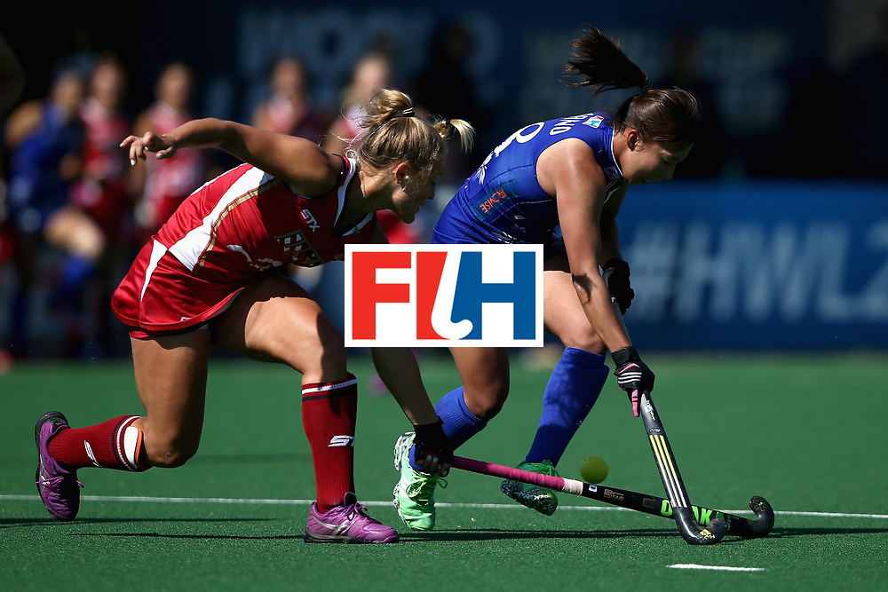 JOHANNESBURG, SOUTH AFRICA - JULY 18: Yukari Mano of Japan and Julia Young of the United States battle for possession during the Quarter Final match between the United States and Japan during the FIH Hockey World League - Women's Semi Finals on July 18, 2017 in Johannesburg, South Africa.  (Photo by Jan Kruger/Getty Images for FIH)