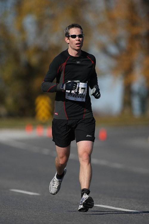 (Ottawa, ON---18 October 2008) DAN STEEVES competes in the 2008 TransCanada 10km Canadian Road Race Championships. Photograph copyright Sean Burges/Mundo Sport Images (www.msievents.com).