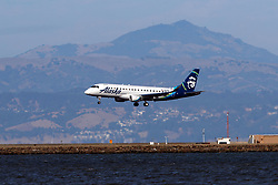 Embraer ERJ-175LR (N631QX) operated by Horizon Air for Alaska Horizon landing at San Francisco International Airport (KSFO), San Francisco, California, United States of America