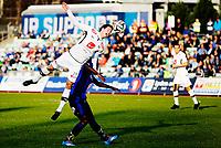 Fotball<br /> Tippeligaen<br /> Nadderud 30.03.14<br /> Stabæk - Sogndal<br /> Ruben Holsæter over Enock Adu<br /> Foto: Eirik Førde