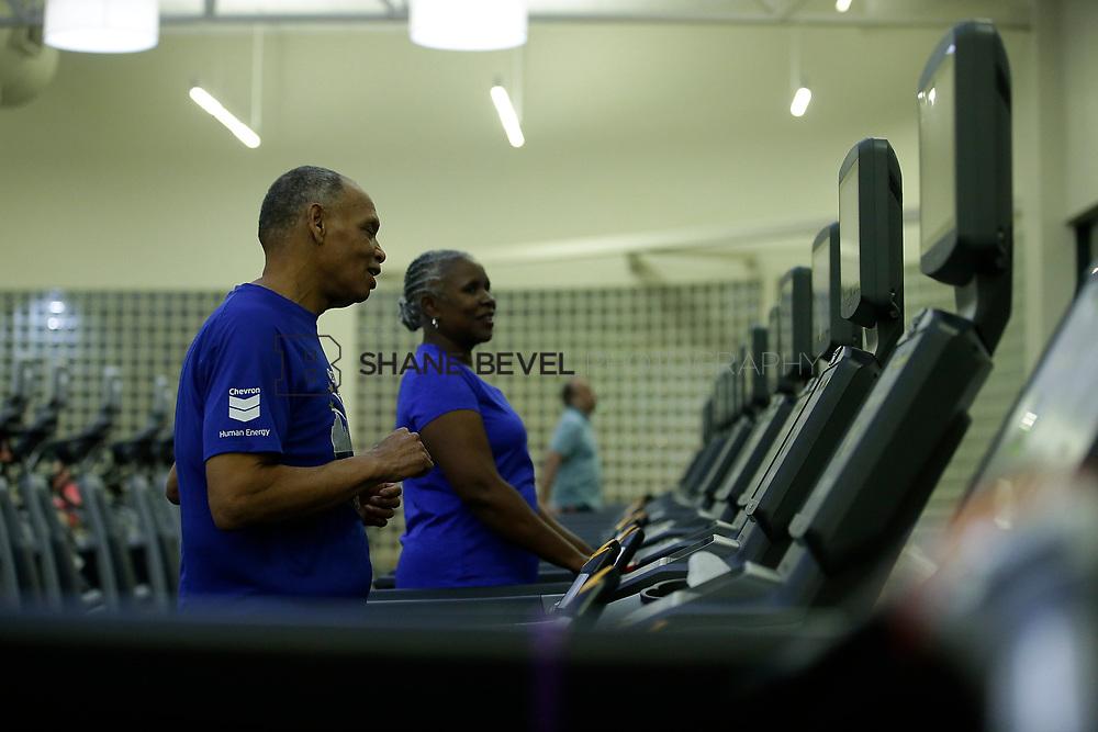 11/8/17 7:37:23 PM --  Charles and Shonda at Healthzone at SFHS. <br /> <br /> Photo by Shane Bevel